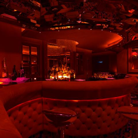 shilling night club milano bar